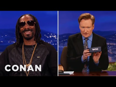 Snoop Dogg Gives Conan A Vaporizer