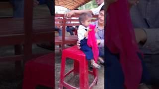 Bé tí hon 8 tuổi Gò Da- Sơn Ba- Sơn Hà- Quảng Ngãi.