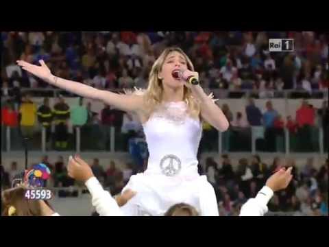 Martina Stoessel - Esibizione allo stadio olimpico di Roma --Completo