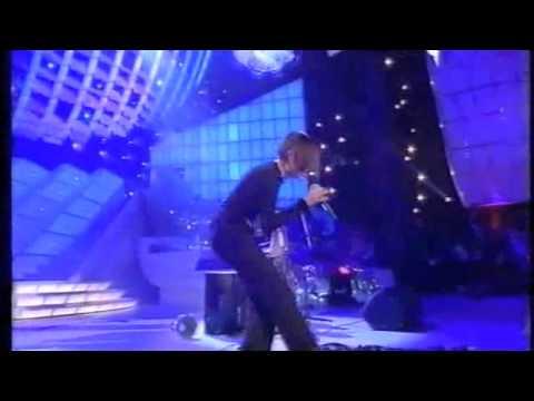 Anna Oxa – L'eterno movimento – Sanremo 2001.m4v