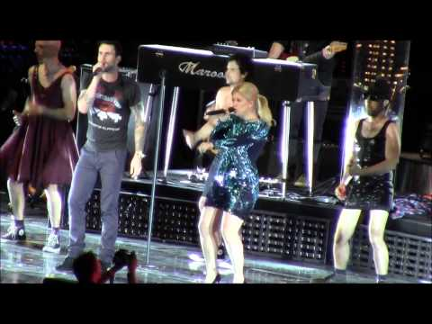 Kelly Clarkson Is Funny! 4 video
