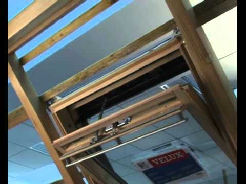 velux installer un kit de motorisation solaire youtube. Black Bedroom Furniture Sets. Home Design Ideas