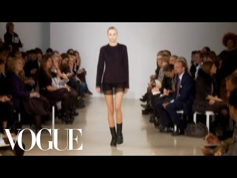 Fashion Show - Jil Sander: Fall 2010 Ready-to-Wear