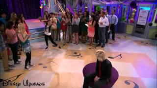 "Maddie Ziegler & Austin Moon Perform A Dance Routine On ""Austin & Ally"""