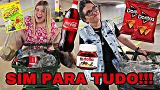 MINHA MÃE DISSE SIM PARA TUDO NO MERCADO !!