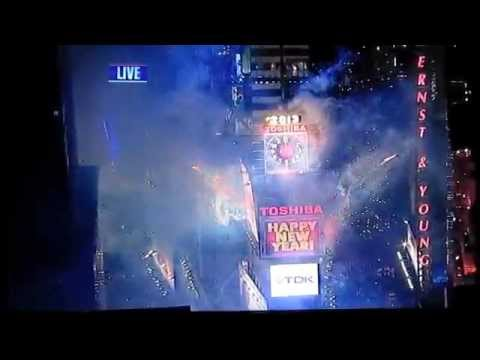 2013 New York Times Square Count Down & New Year's Eve Ball Drop 