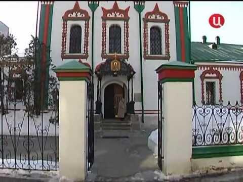 Собянин посетил отреставрированный храм в Хамовниках