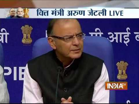 Jaitley unveils budget 2015, says Indian economy is a super giant that moves slowly but surely