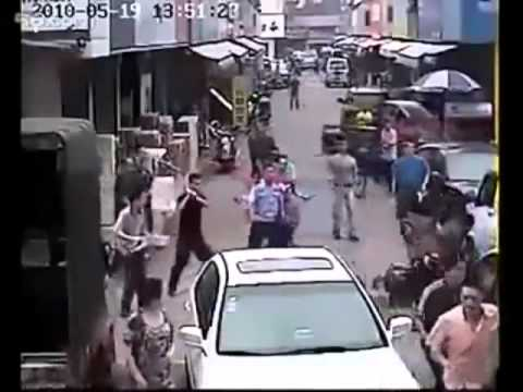 Real Kung Fu Fighting!!!!!!! Chinese Street Justice video