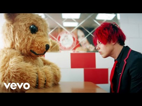 YUNGBLUD - god save me, but don't drown me out (official video)