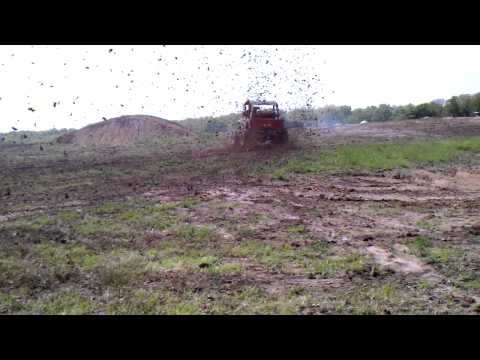Jeep spraying mud roostertail bourbon mo