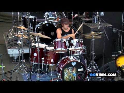 """Lukas Nelson & P.O.T.R. performs """"Money"""" at Gathering of the Vibes Music Festival"""