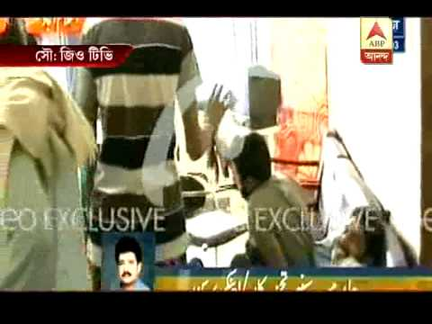 Protestors ransack pak secretariat,ptv office, clash with policemen.
