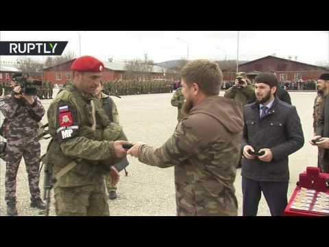 Кадыров наградил вернувшихся из Сирии бойцов военной полиции