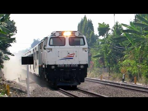 Argo Wilis Ngebut High Speed - Perlintasan Timoho Yogyakarta (Kereta Api Indonesia 2014 terbaru)