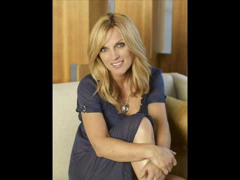 Rhonda Vincent - Homecoming