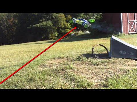 Exceed RC Hyperspeed Nitro Buggy 4WD Catching Big Air
