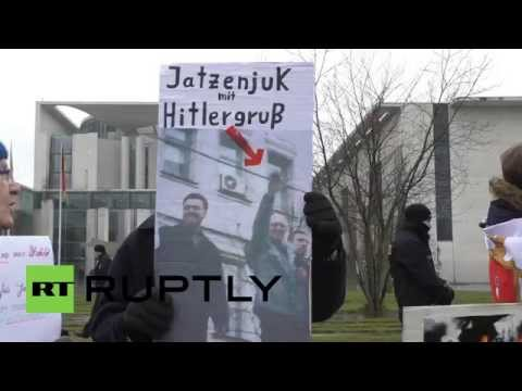 Germany: Protesters give 'fascist' Yatsenyuk a hostile welcome to Berlin