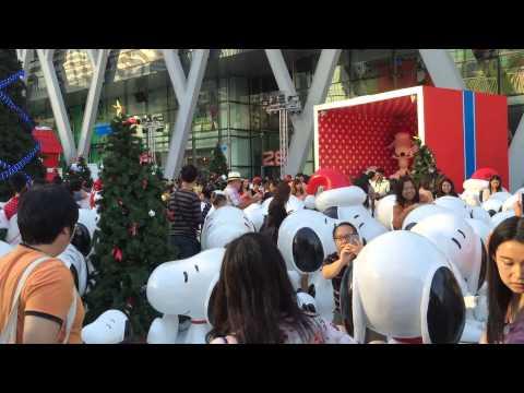snoopy show at central world bangkok