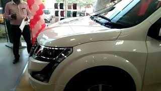 Taking delivery of our new Mahindra xuv500 w11(o)white.