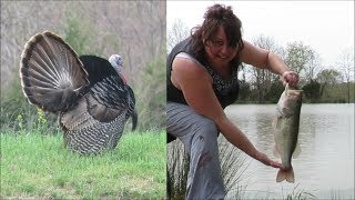 BIG BASS, TOM TURKEY STRUT, Equipment, snake and more! Kapper Outdoors Illinois Farm Vlog