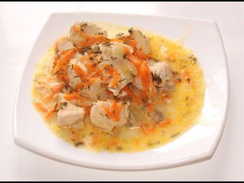 ак приготовить вкусное сочное куриное филе в сметанном соусе в мультиварке редмонд, видео рецепт