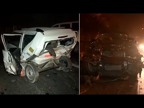 Cars collide on Delhi's outer Ring Road, kills one thumbnail
