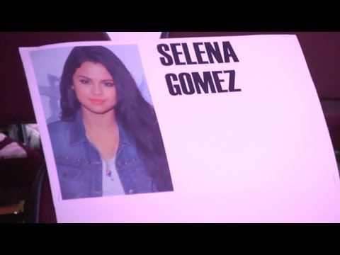 Selena Gomez & Austin Mahone 2014 Kids Choice Awards Seating Chart BTS
