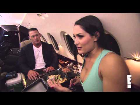 Total Divas S1E2 Clip #2 - Nikki Bella doesn't like Eva Marie