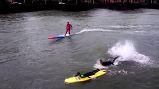 SURF en RÍO URUMEA. OLAS GIGANTES en DONOSTIA- SAN SEBASTIÁN   surf giant waves in a river