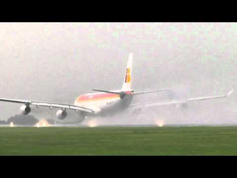 Iberia Airbus A340-300 Take Off MROC