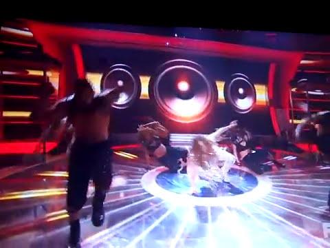 Jennifer Lopez ft. Pitbull On The Floor DEBUT Live Performance on American Idol
