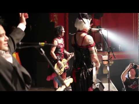NOFX playing their first song of 2013 (New Years Revolution)