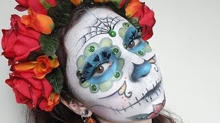 El Dia de los Muertos make-up / Maquillage de la fête des Morts