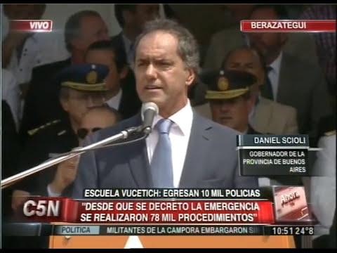C5N - SEGURIDAD: EGRESARON 10 MIL POLICIAS DE LA ESCUELA VUCETICH (PARTE 3)