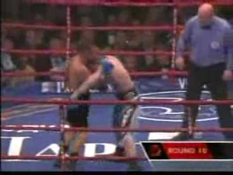 Funniest Boxing Incident of 2005 (Ricky Hatton s Low Blow)