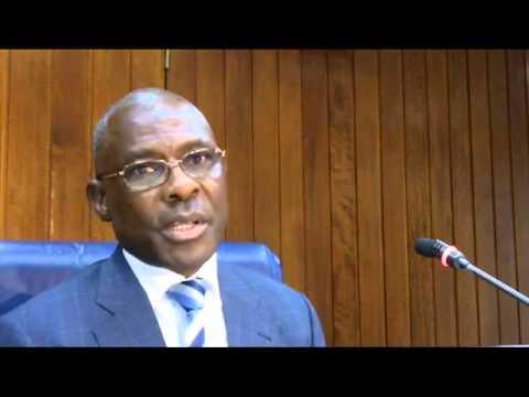 O secretário do Estado para os direitos humanos do governo Angolano disse que na maior parte as informações no último relatório da Human Right Watch sobre An...