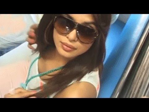 Priyanka Chopra Flaunts Her Hot Bo0bs In Public video