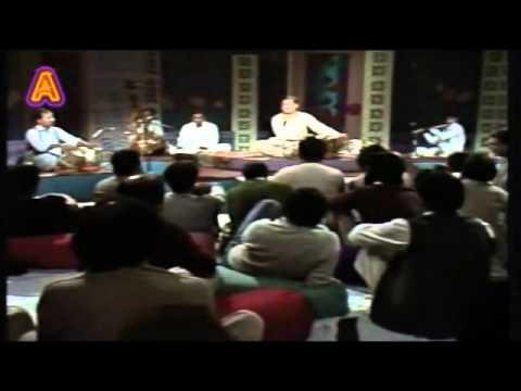 Azizs Favorite Ghulam Ali   Live  Hangama hai kyon