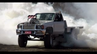 BLWNLUX TEARS IT UP AT DUBBO BURNOUTS TO TAKE 1ST PLACE PRO CLASS 21.9.2013