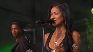 Jhenц Aiko and Big Sean performing БBewareБ 2013