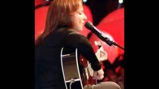 Watch Gloria Estefan Tradicion video