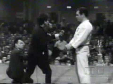 Lee Jun Fan (Bruce Lee) - Demonstration of Speed Image 1