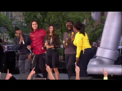 FLASH MOB  Oprah vs. Black Eyed Peas   I Gotta Feeling   Chicago