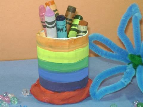 Recycled kids crafts: Simple TP pencil holder