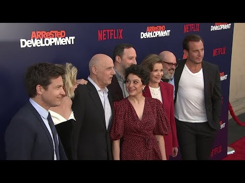 The cast of 'Arrested Development' joke about wearing shorts in the shower