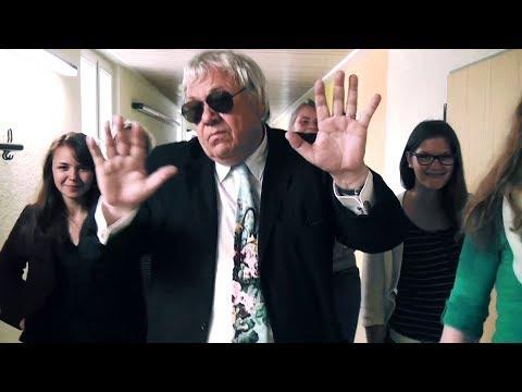 """Eine ganz eigene Version des ursprünglichen Videos """"Supergeil"""" - von Der Tourist (ft. Friedrich Liechtenstein). Gedreht am Goldberg Gymnasium Sindelfingen fü..."""