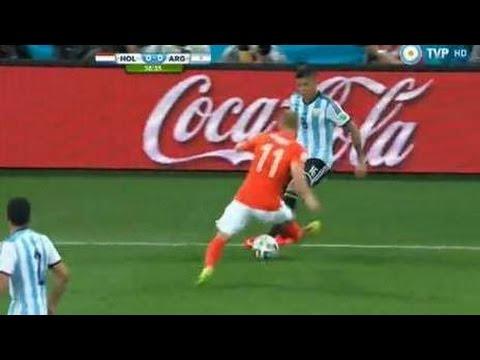 Caño de Marcos Rojo a Robben