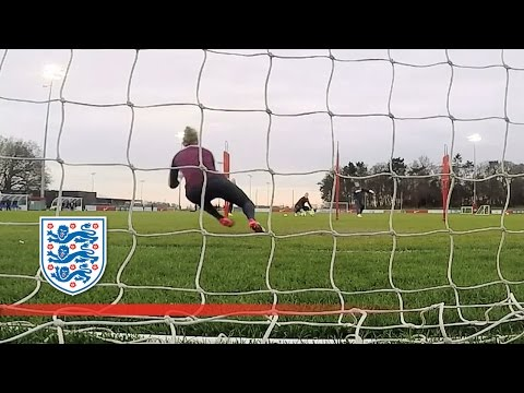 England's Goalkeepers in fine form | Inside Training