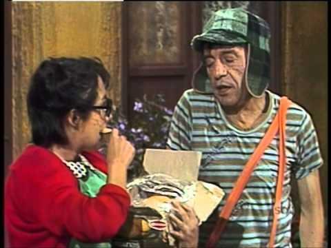 Chaves - O cãozinho da Dona Clotilde / Pai por algumas horas (1978)